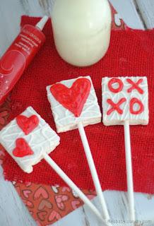 Cake Heart Pops