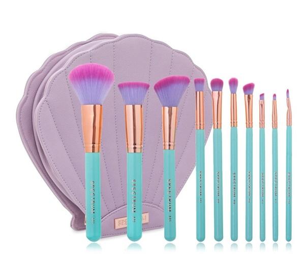 Pincéis de maquiagem azul, roxo e rosa inspirados nas sereias e necessaire de concha