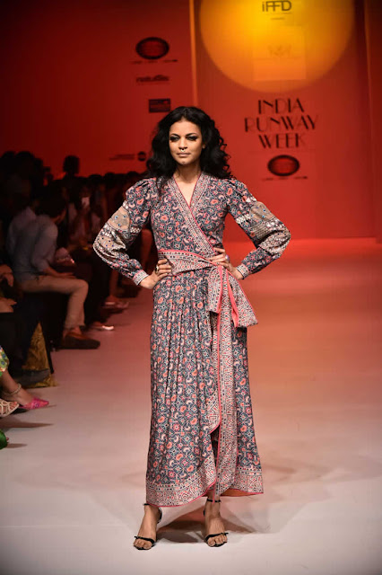 Noyonika Chatterjee Walked the Ramp for Dynamic and Doue' Designer Rajdeep Ranawat