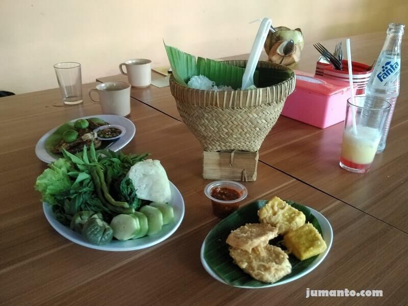 makanan yang kemi pesan di kampoeng bamboe lampung
