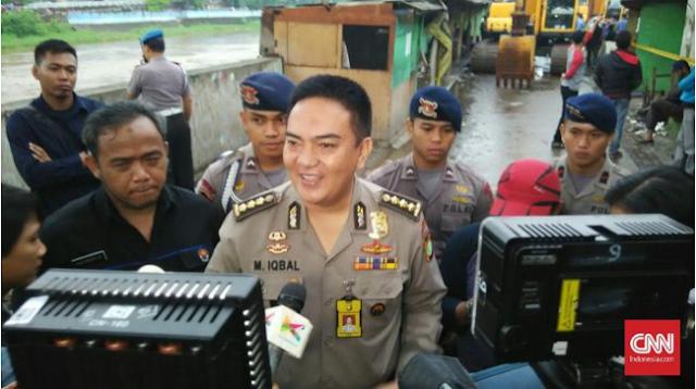 Polisi Surabaya Bantah FPI Razia Atribut Natal di Mall
