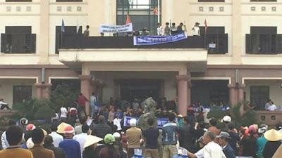 Giáo hạt Văn Hạnh biểu tình phản đối