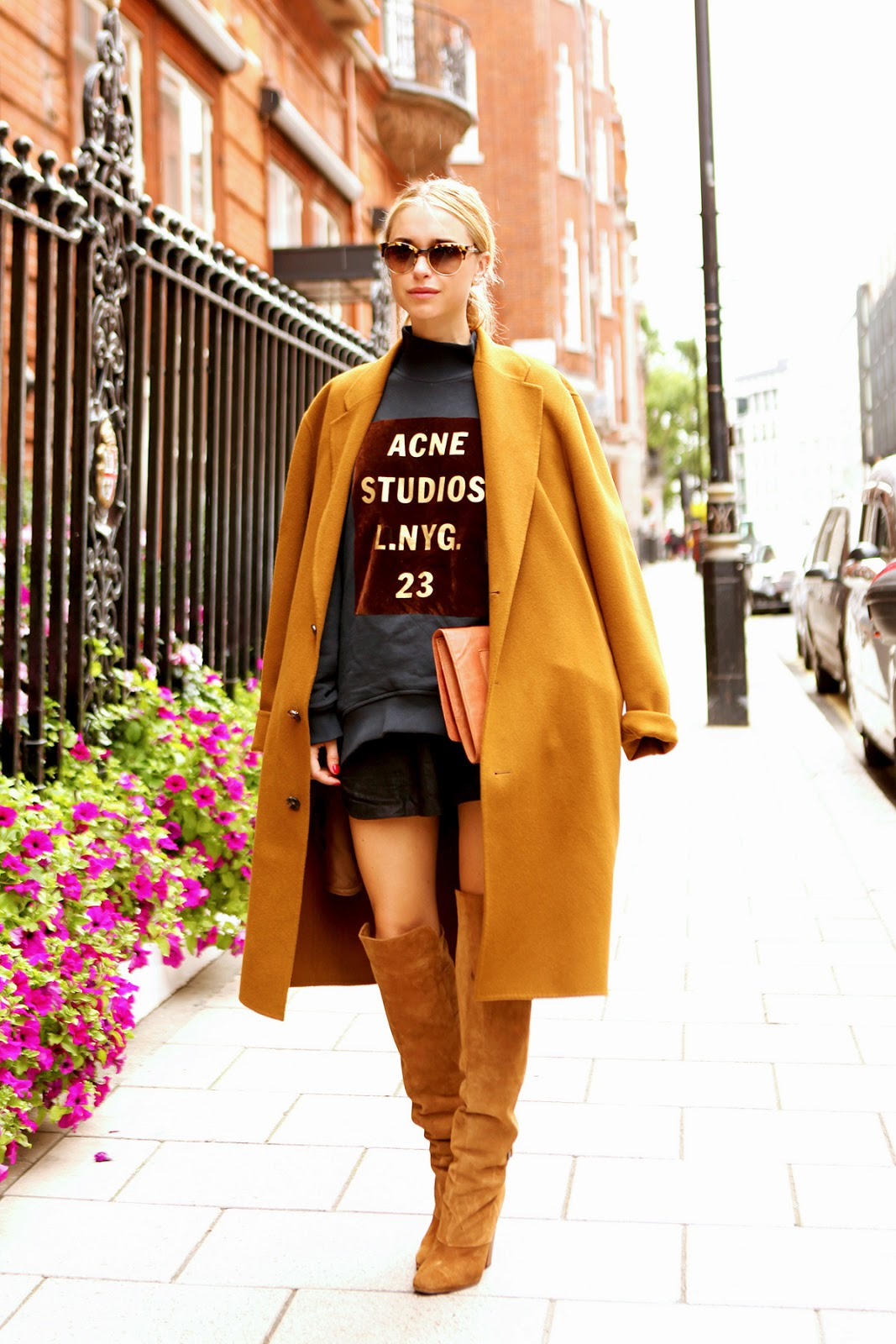 street style suede boots via belle vivir