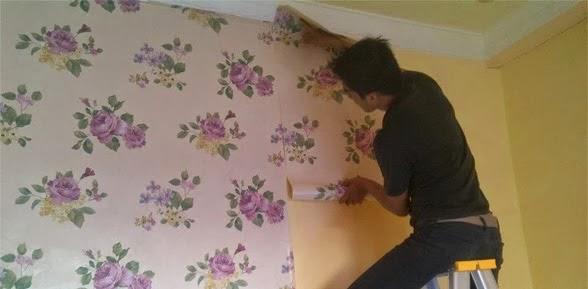 Tips memilih dan memasang wallpaper dinding sendiri 2014 - Cara pasang wallpaper ...
