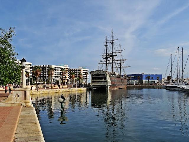 galeon Alicante port Hiszpania