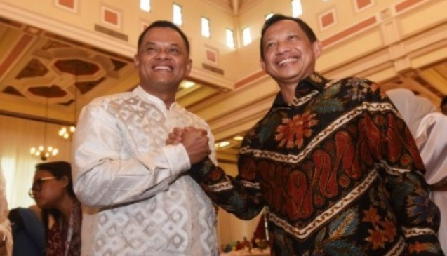 Strategi Cerdas Kapolri Tito dan Panglima TNI Gatot Tegaskan Patuh Pada Presiden