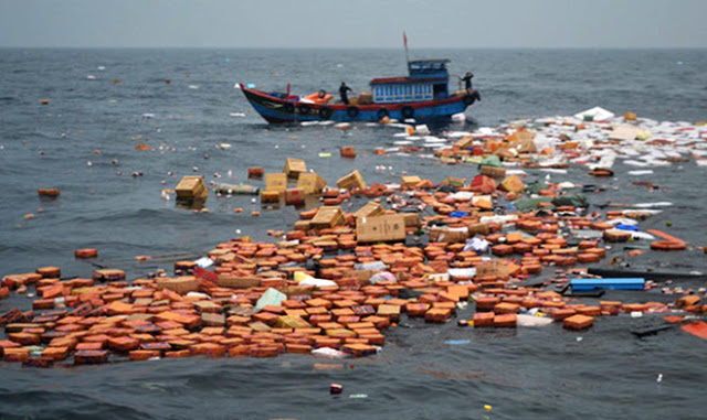 Quảng Ngãi: Chìm tàu chở hàng ra đảo Lý Sơn, 7 thuyền viên được cứu sống