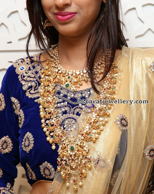 Naziya Khan Pachi Work Long Chain