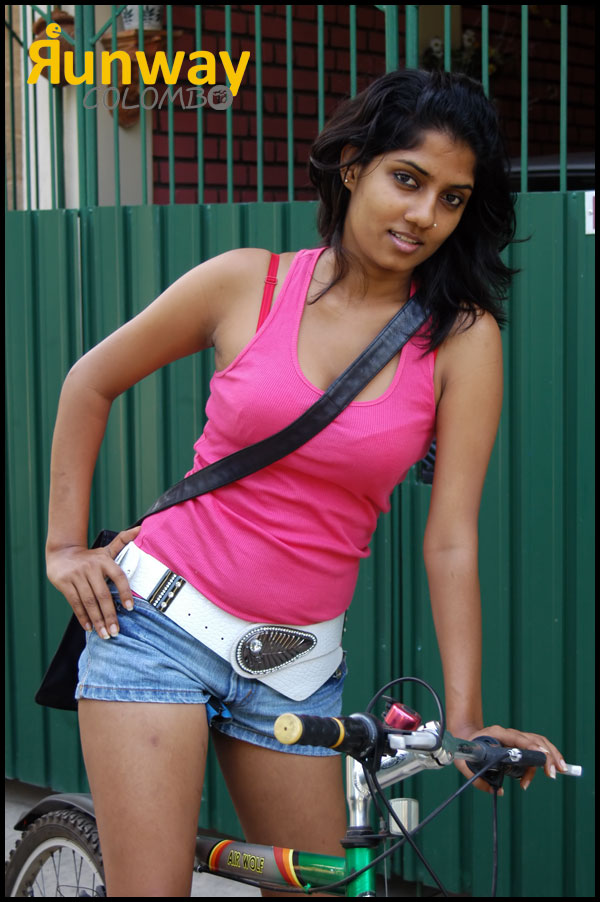 manik wijewardana hot sri lankan actress