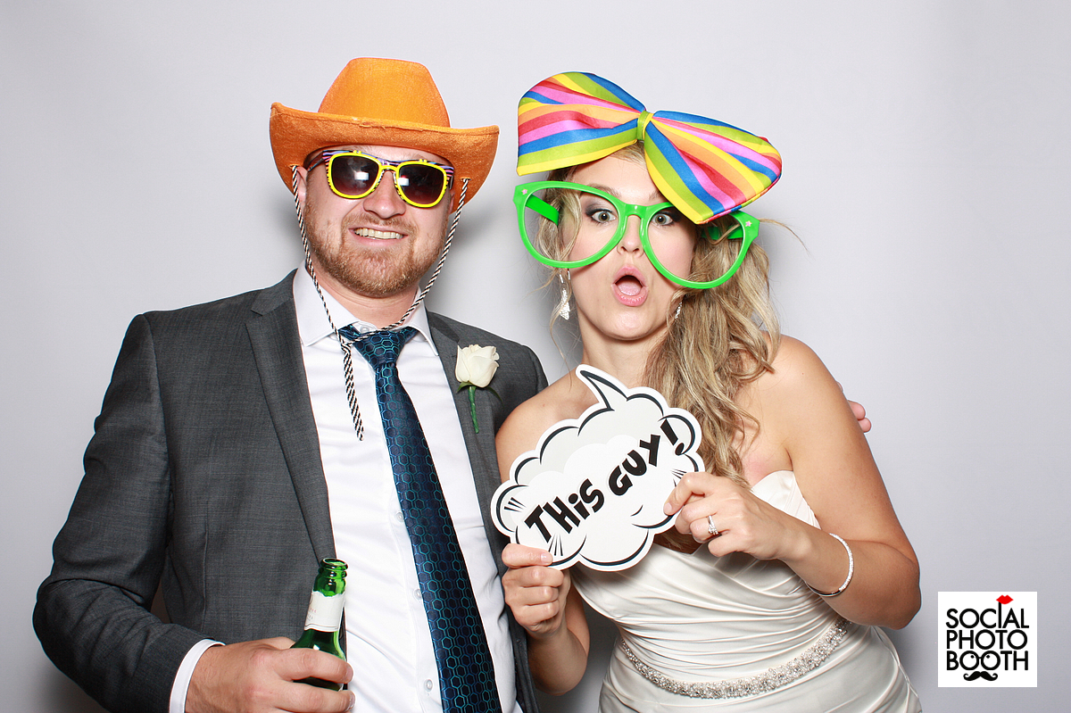 Why should you book a photo booth for your wedding