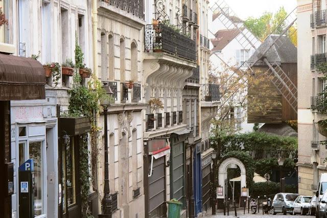 Paryż z przewodnikiem