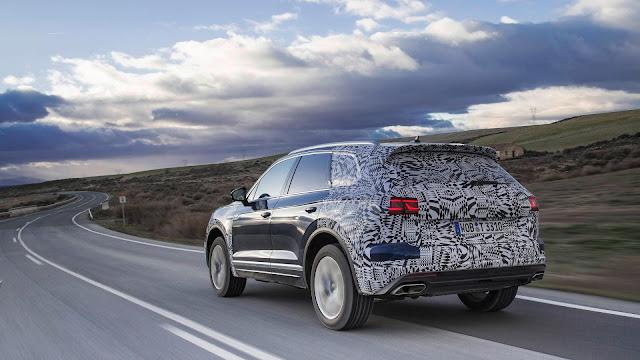 VW Nova Touareg conta com novos faróis em LED
