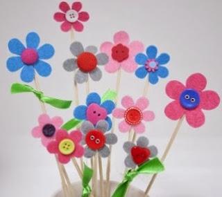 http://manualidadesreciclables.com/13060/ramo-de-flores-para-san-valentin