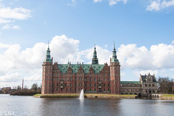 Cerca de Copenhague, el Castillo de Frederiksborg