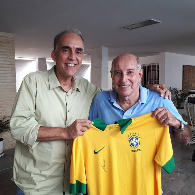 """Craque Gerson é entrevistado na série """"Os Setentões"""" neste domingo na TV Brasil"""