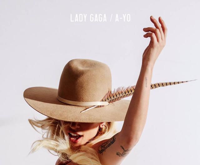 Lady Gaga publicó el cover single de 'A-Yo'