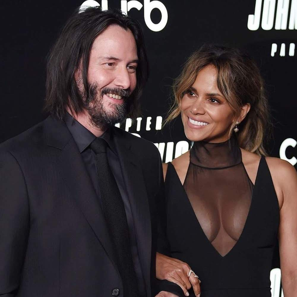 Keanu Reeves and Halle Berry hit the red carpet at the premiere of John Wick Chapter 3 : 過激アクション映画の「ジョン・ウィック」シリーズ第3弾「パラベラム」のニューヨーク・プレミアのキアヌ・リーブスとハル・ベリー ! !