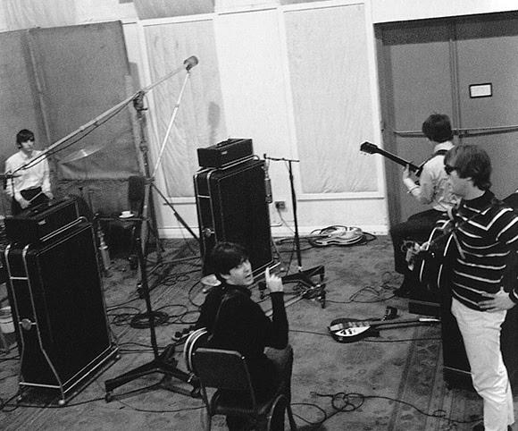 Le jour où les Beatles inventèrent le larsen sur disque