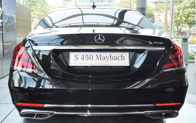 Cụm đèn sau Mercedes Maybach S450 4MATIC 2019 sử dụng công nghệ LED với thiết kế góc cạnh