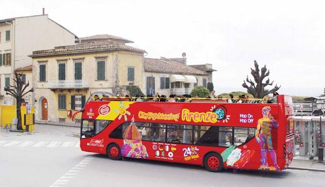 Passeio de ônibus turístico em Florença