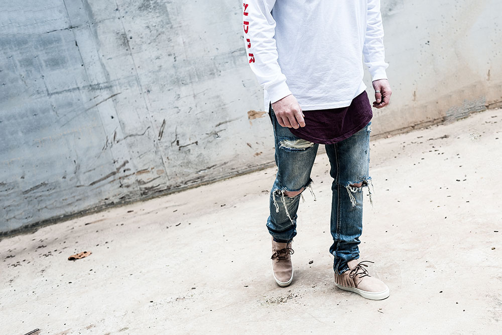 WNDRR Detox L/S White Tee / Clearweather ONE-O-ONE Sand Mocassin / MNML M1 Denim / H&M Burgundy Scoop Tee by Tom Cunningham