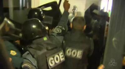 Audiência sobre transporte tem confusão, Guarda Metropolitana de Manaus (AM) restabelece a ordem