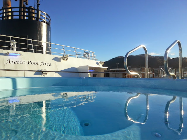 Hurtigruten MS Trollfjord - Jacuzzi Hot Tub in the Arctic Pool Area