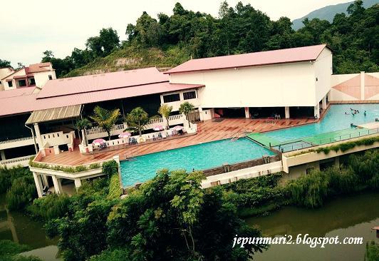 Bukit gambang waterpark