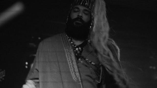 """Pagofunk Iluminati"", EP de estreia de Jeza da Pedra, ganha versão deluxe"