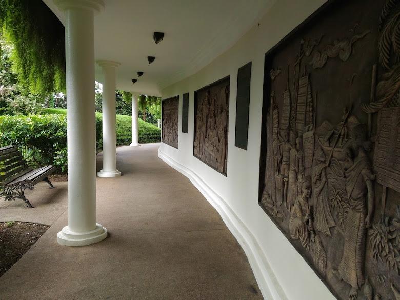 花柏山公園的銅板歷史畫