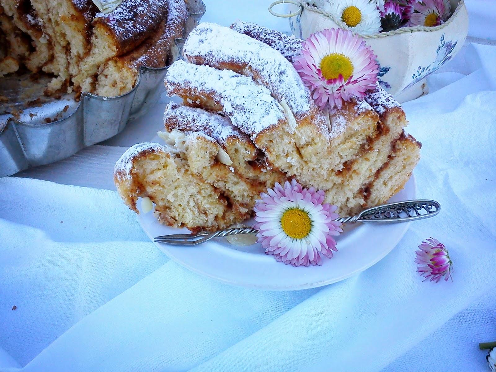 cinnamon roll cake ciasto cynamonowe