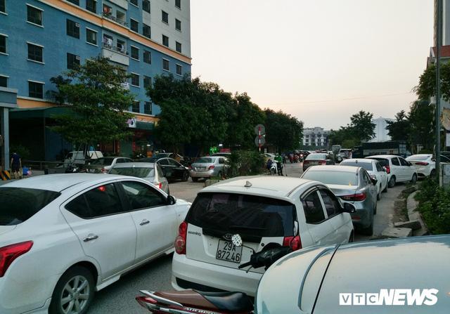 Giải tỏa bãi đỗ xe ở Linh Đàm và Kim Văn Kim Lũ