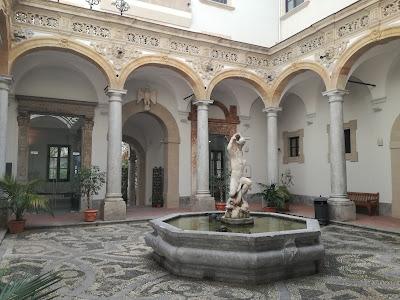 Il chiostro del Museo Archeologico A. Salinas