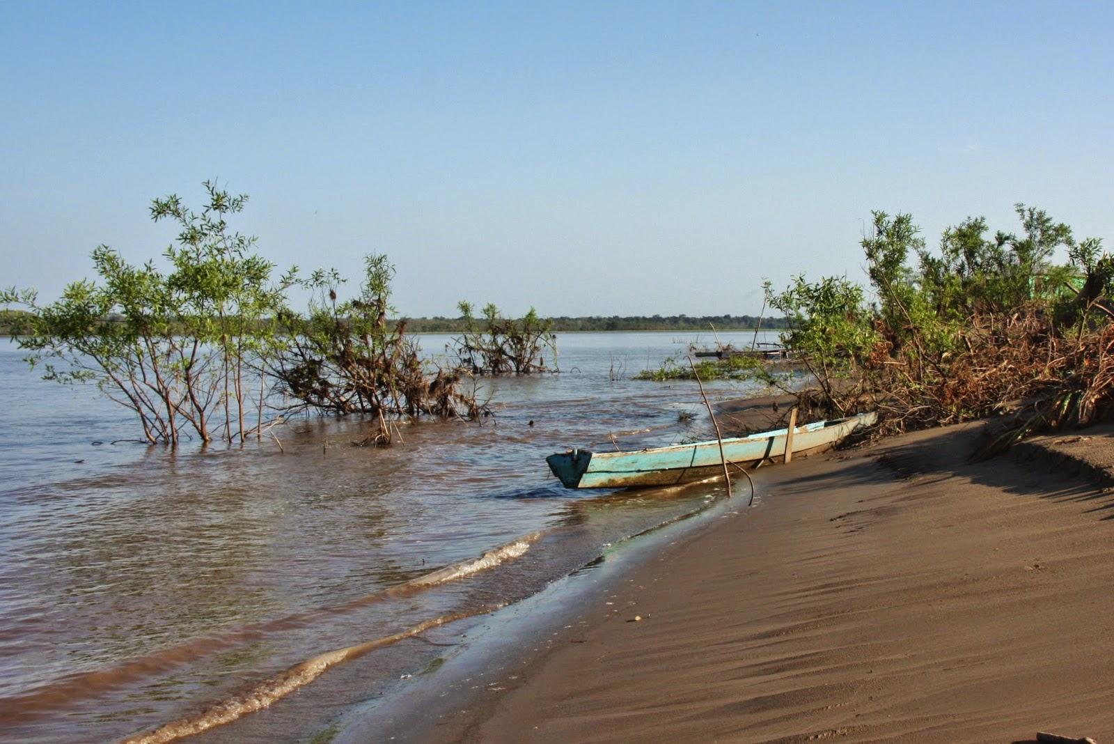 Passeio pela comunidade de Caburini, às margens do Rio Japurá.