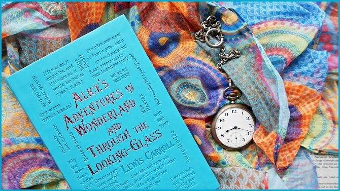 Alice´s adventures in wonderland and through the looking-glass