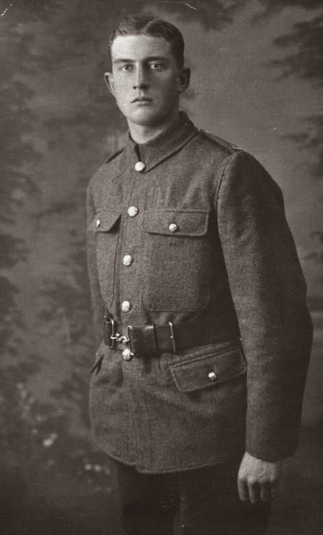 Horace Jaikens in Huntindonshire  Cyclist Battalion uniform -  February 1915.  (Photo copyright Martyn Smith)  (Used with permission)