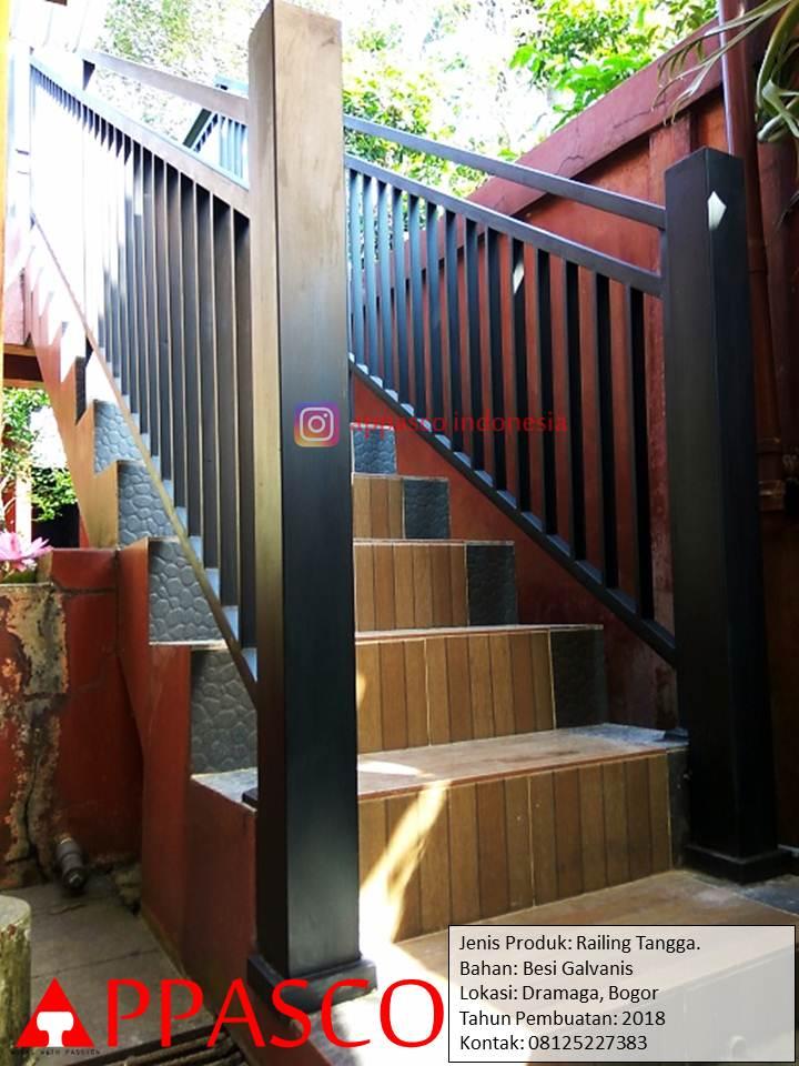 Railing Tangga Minimalis untuk Outdoor