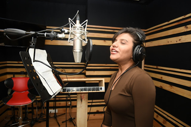 8. Ritu Pathak (Singer) during song recording CRAZY BALAM