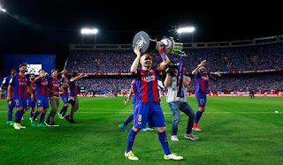 Iniesta Pikirkan Masa Depannya di Barca