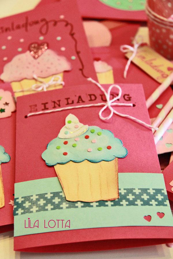 cupcake einladungskarten diy lila lotta. Black Bedroom Furniture Sets. Home Design Ideas