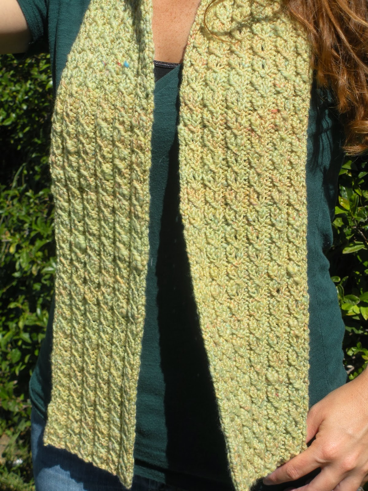 Yarn In, Yarn Out: Free Pattern: It\'s Not TV, It\'s Cable Scarf