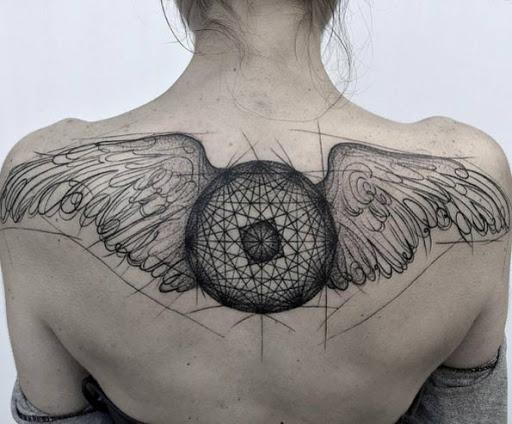 Estes geométricas asas