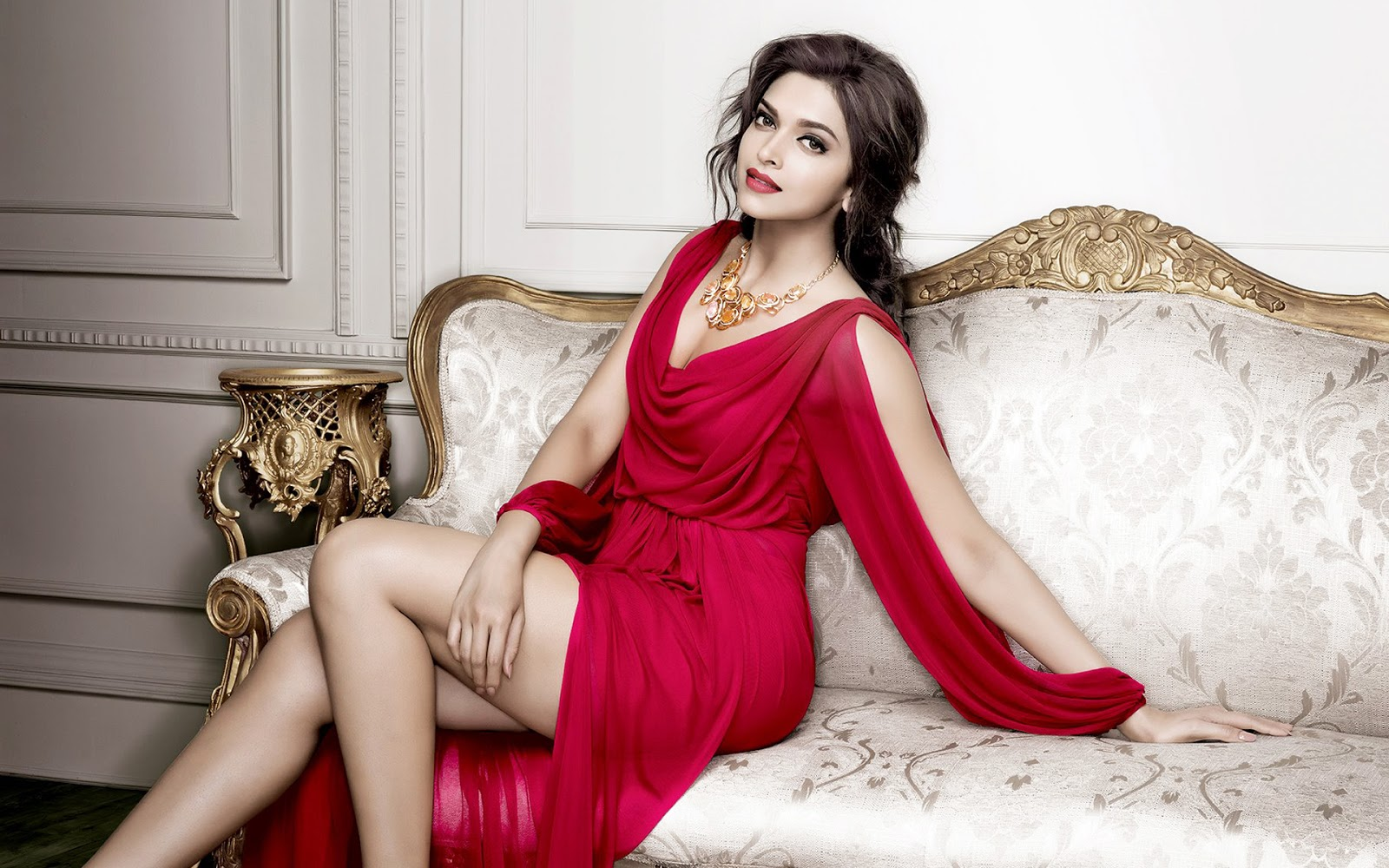 Deepika Padukone Beautiful HD Wallpaper