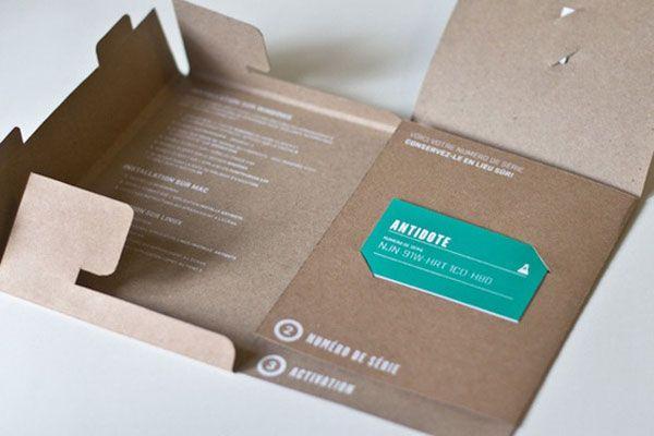 Desain brosur menggunakan karton