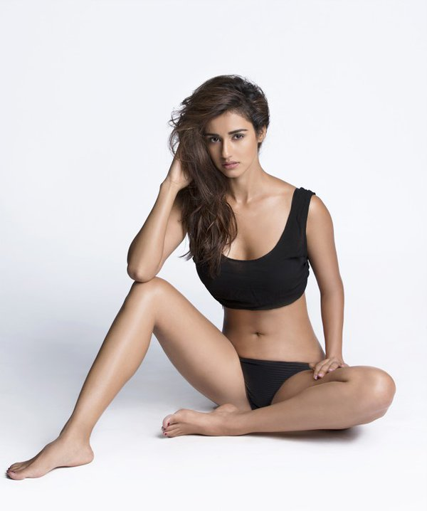 Disha patani hot sexy cleavage photos collection