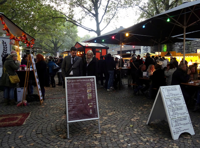 Meet & Eat street food market at the Rudolfplatz in Cologne
