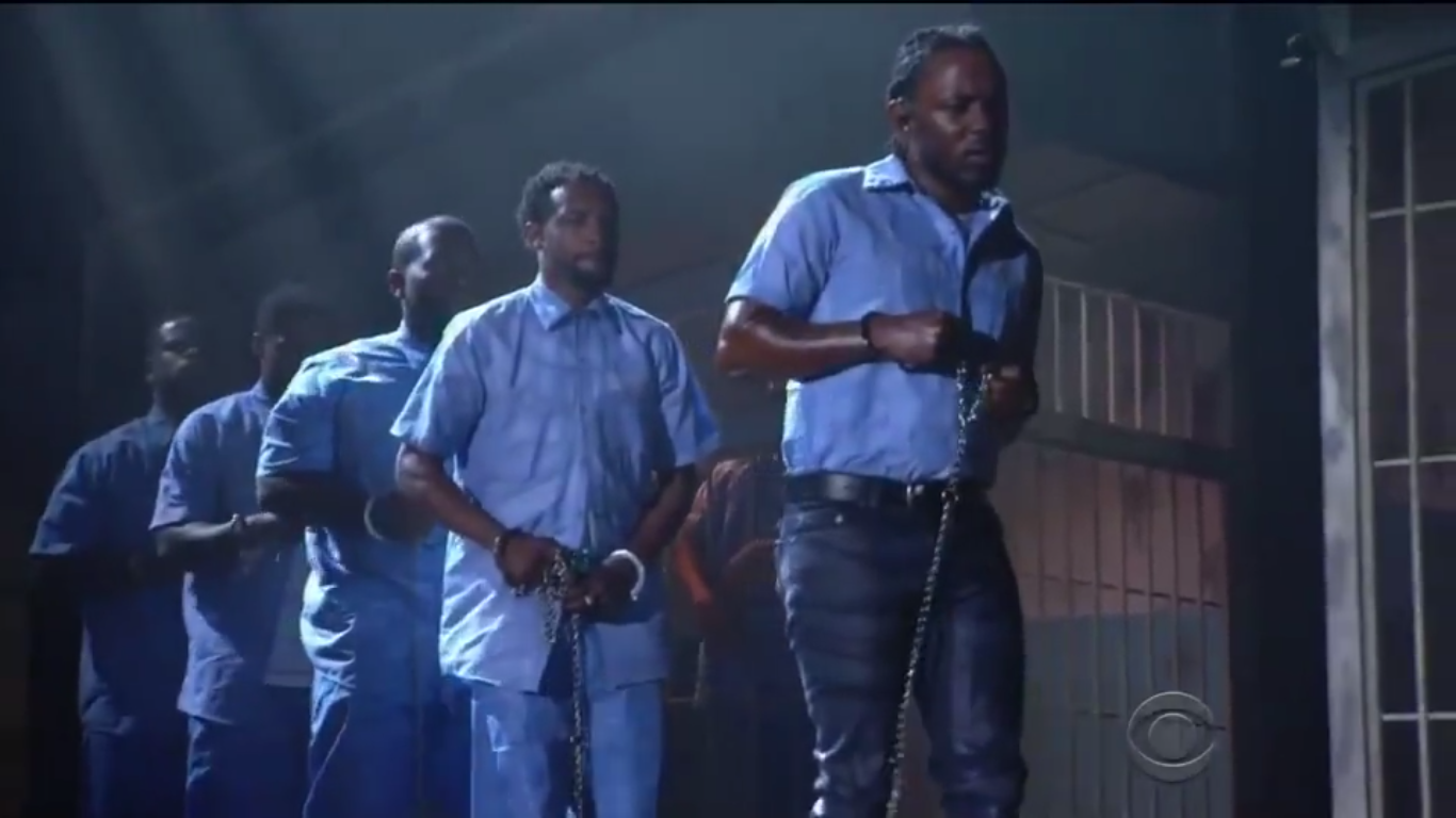 Assista a grande performance do Kendrick Lamar no Grammy 2016