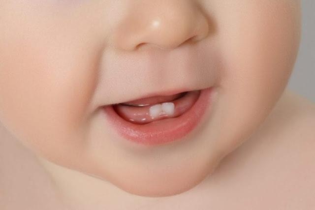 متى تبدأ أسنان الأطفال فى النمو