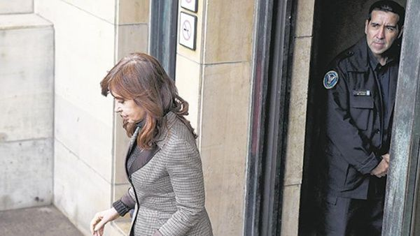 Corte Suprema de Argentina convalida prisión preventiva de Cristina Fernández