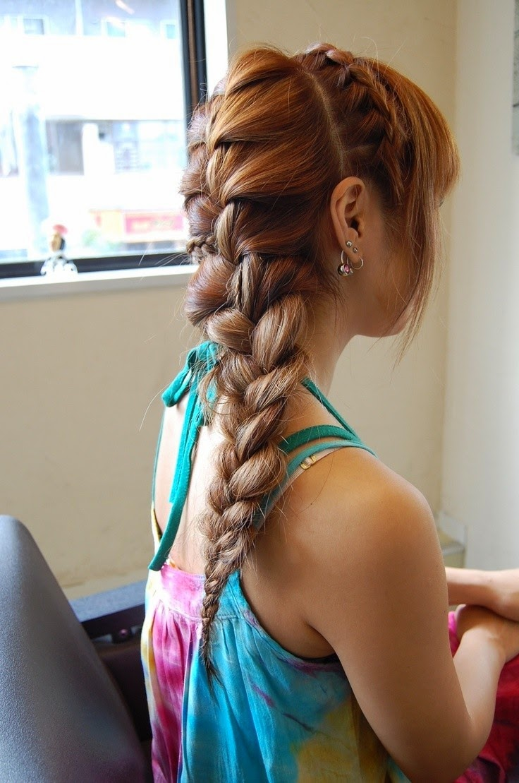 Hairstyles and Women Attire: 5 Best Braid for Long Hair